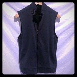 Men's lightweight zip up vest size MED
